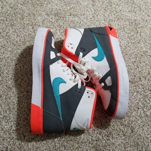 Nike Other - Mens high tops sneakers